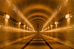 Alter Elbtunnel (Axel_Hahn) Tags: urban architecture germany dark underground subway puerto harbor dock arquitectura ship hamburg tunnel landmark historic gelb walkway architektur alemania hh marca michel freeport passage monuments landungsbrcken stpauli allemagne hdr speicherstadt elbe fischmarkt rickmerrickmers dique reeperbahn kiez illuminate tunnelvision hafencity denkmal hansestadt tnel geometrie hanseatic shipyards freihafen largaexposicin hafenstr elberiver tiefe alemanya symmetrisch simtrico blohmundvoss steinwerder oldelbetunnel ingenieurbaukunst portofhamburg hafenstrase pegelturm flickraward stpaulielbtunnel panoramafotogrfico panoramafotografico flickrstruereflection1 flickrstruereflection2 flickrstruereflection3 flickrstruereflection4 flickrstruereflection5 flickrstruereflectionlevel5 rememberthatmomentlevel1 axelhahn hamburgoalemania flickrstruereflectionlevel6