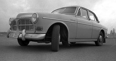 Volvo Amazon 121 1964 (iEagle2) Tags: bw analog volvo blackwhite volvoamazon volvo121