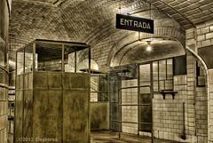 Entrada Metro Chamberi (Pogdorica) Tags: madrid metro entrada museo hdr chamberi cruzadas