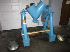 "2 cu ft Patterson Kelley ""Cross Flow"" Twin shell blender - Item# 2474 (Ingalls Process Equipment Company) Tags: 2 two feet flow foot cu cross shell twin equipment company v kelley co patterson blender ft process ingalls pattersons kelleys cubic cubics ipeco vblender ipeco77"