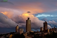 The beauty that leave the rain. (Pablin79) Tags: light sunset sky argentina colors rain clouds digital canon buildings eos reflex 5d pipa misiones posadas markii 70200mm 2011 canonef70200mmf4lisusm canoneos5dmarkii 5dmkii pabloreinsch pabloreinschphotography pablin79