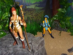 0.2 Evil-Lyn creeping up (custombase) Tags: classics figures mastersoftheuniverse teela evillyn