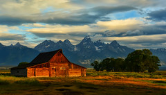 Bolt of Light at the Barn (Jeff Clow) Tags: ranch morning nature barn rural sunrise landscape bravo western daybreak grandtetonnationalpark tps theoldwest jacksonholewyoming moultonbarn thomasamoultonbarn dcpt dirtcheapphototour topphotospots tpslandscape