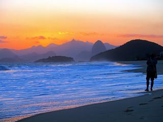 The Sunset and Rickipanema at Piratininga...