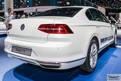 Volkswagen Passat GTE (886492) (Thomas Becker) Tags: volkswagen vw passat gte electric elektroauto ev iaa2015 iaa 2015 66 internationale automobilausstellung ausstellung motor show mobilitt verbindet frankfurt hessen deutschland germany messe fair exhibition automobil automobile car voiture bil auto fahrzeug vehicle  c copyright thomas becker aviationphoto nikon d800 fx nikkor 2470 f28 geotagged geo:lat=50112013 geo:lon=8643569