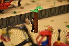 The back side of the tree, no doubt!  (Sem dvida, o lado de trs  da rvore) (Filipe Lameiras) Tags: lego tree side back rvore rvores cenrio scene friendly disguise portugal filipe lameiras photo photography