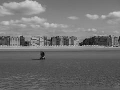 Abandoned (Jan Moons) Tags: strand zee beach buggy alone abandoned forgotten bw crappycamera 3000v120f