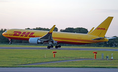 DHL 767-3JH(ER)(WL) G-DHLG. 30/08/16. (Cameron Gaines) Tags: cn37807firstflewateverettonthe18thofseptember2009beforebeingflowntogreensboro ncforwingletstobefittedpriortodeliverytodhlateastmidlandsairportonthe19thofoctober2009itwasflownfromgreensborotoemaviacincinnati300816 dhl air uk boeing 7673jherwl gdhlg floating over runway 27 east midlands airport 300816 jfk kjfk ema greensboro north carolina october 2009 767 767300 everett 2709 leicestershire county