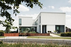 Hoefblad 37 (iBSSR who loves comments on his images) Tags: architecture modern heerlen white villa casa haus architect