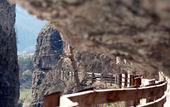 Rift on the rock (Diego......) Tags: canon passeggiata canonftb eremo 30° valdinon sanromedio tetenalc41 epsonv500 canonfd35mm