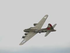 Boeing B-17G Flying Fortress - 21 (NickJ 1972) Tags: flying aviation airshow b17 duxford boeing 2008 fortress jm dsm flyinglegends thepinklady fazdx 48846