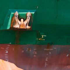 Anchor on Green (Manel E.) Tags: barcelona verde green port square puerto barco ship anchor hull minimalism casco ancla verd quadrat vaixell casc cuadrado àncora
