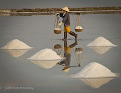 Salt worker, Vietnam (NettyA) Tags: travel reflection field canon asia salt vietnam worker southeast doclet ninhhoa eos550d nettya