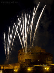 "Castel Sant'Angelo, fuochi d'artificio • <a style=""font-size:0.8em;"" href=""http://www.flickr.com/photos/89679026@N00/7471680466/"" target=""_blank"">View on Flickr</a>"