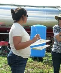 Emily Cookd Ulster County CCE (NOFA_NY) Tags: field tomato day control farm tomatoes organic hepworth ipm pest