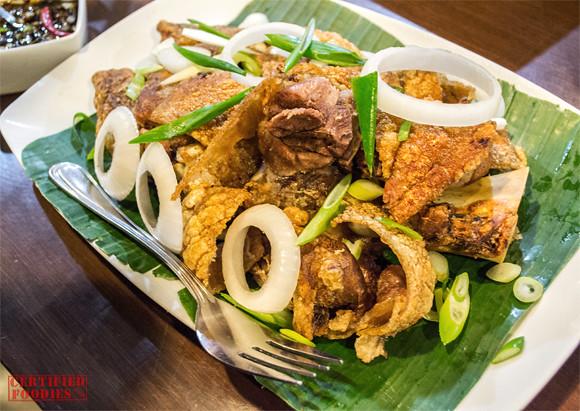 Binulo's Crispy Pata