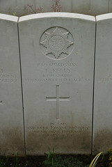 T. Kelly, Irish Guards, 1914, War Grave, Poperinghe (PaulHP) Tags: cwgc ww1 world war 1 first great belgium grave marker headstone military cemetery t thomas kelly private service number 1889 9th november 1914 irish guards 1st bn battalion poperinghe old peter mary 34 convent rd road dun laoghaire a 18 cross ave avenue co dublin ireland