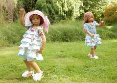 Tanzstunde im Park ... (Kindergartenkinder) Tags: tanzen dolls himstedt annette kindergartenkinder essen park gruga garten tivi milina
