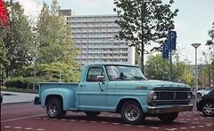 Ford Pickup (Arne Kuilman) Tags: canon 500n analogue film scan kodak 4009 kodacolor epson zeeland nederland netherlands ford pickup truck american nieuwwest