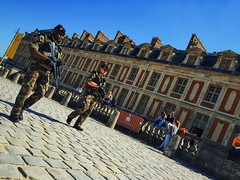 IMG_2906 (leirbagenaz_street) Tags: life color photography strangers candid urban people colour digital travel streetphotography leirbagenazstreet street 2016 instagram vscocam versailles france soldiers military