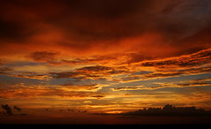 A Peep of Sun Left-HSS (VarietyHour) Tags: outdoor sunset clouds hss slidersunday wow