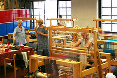 (RAIL REED & weaving) Tags: weaving weavers looms summercourses weavehackers