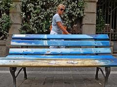 1608_La_ Panchina_di_Mario_5437-01 (vb.2015y) Tags: panchina disegno strada donna fujix30 street mariosbench alassio liguria marioberrino