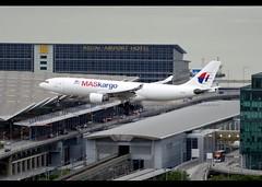 Airbus   A330-223F   MASkargo   9M-MUB   Hong Kong   HKG   VHHH (Christian Junker   Photography) Tags: nikon nikkor d800 d800e dslr 70200mm teleconverter plane aircraft airbus a330223f a330200f a330f a332f a33f a332 a33x maskargo mh mas malaysian mh6118 mas6118 malaysian6118 9mmub oneworld heavy widebody cargo freighter arrival landing 25l airline airport aviation planespotting 1148 hongkonginternationalairport cheklapkok vhhh hkg clk hkia hongkong sar china asia lantau cc christianjunker flickrtravelaward flickraward zensational hongkongphotos worldtrekker superflickers