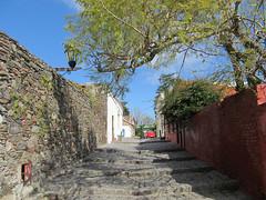 """Colonia del Sacramento: le quartier historique <a style=""""margin-left:10px; font-size:0.8em;"""" href=""""http://www.flickr.com/photos/127723101@N04/29705030675/"""" target=""""_blank"""">@flickr</a>"""