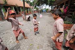 (Cak Bowo) Tags: kids digital children indonesia nikon snapshot documentary tokina sd elementaryschool dslr activities aktivitas bocah sekolahdasar eastjava anakanak probolinggo 1116mm d300s tokina1116mmf28 tokina1116mm nikond300s sdnpurut1 desapurut