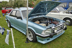 caldicot-classic-car-show-may-2012-084