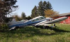 Cessna 310J (N3089L) (dlberek) Tags: cessna310 penningtonnj n75 twinpineairport abandonedaircraft airportorphan n3089l derelictaircraft cessna310j