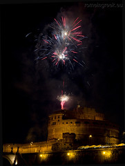 "Castel Sant'Angelo, fuochi d'artificio • <a style=""font-size:0.8em;"" href=""http://www.flickr.com/photos/89679026@N00/7471681272/"" target=""_blank"">View on Flickr</a>"