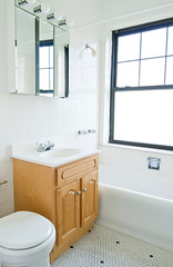 443_wrightwood_apt_601_bathroom_1_web (BJBProperties) Tags: vertical closet studio 1601 443 t01 443wrightwood