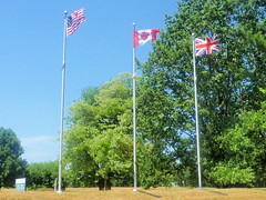 Flags (patchais) Tags: us british canadianflagsflyinpeace