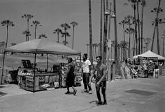 Venice Beach, Los Angeles (Postcards from San Francisco) Tags: leica film analog ma losangeles trix venicebeach 35mmsummicroniv
