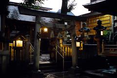 01 (  / Yorozuna) Tags:    nagonoasamashrine asamashrine shrine   torii  nagono  shikemichi  nagoya  aichi japan     rainy rain rainynight    evening night nightview nightfall nightscape      light         lantern asianlantern japaneselantern stonelantern  pentaxsupertakumar28mmf35