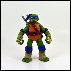 Leonardo (Corey's Toybox) Tags: playmates teenagemutantninjaturtles tmnt nickelodeon nick 2012 actionfigure figure toy ninjaturtles leo leonardo