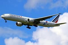 "Air France Boeing 777-300(ER) ""JonOne"" c/s F-GSQI (Manuel Negrerie) Tags: fgsqi af boeing777 b777300er boeing france airlines airliners pariscdg jonone graffiti livery scheme logo"
