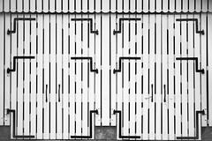 Barn Door (toletoletole (www.levold.de/photosphere)) Tags: zeeland niederlande netherlands barndoor barn stall tor abstract abstrakt bw sw beveland fuji fujixpro2 xpro2 xf18135mm zieriksee