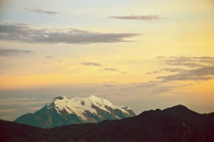 Illimani (vainilla sky) (Christian Eugenio) Tags: illimani lapaz landscape paisaje nevado vainilla losandes