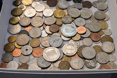 Globalisierung (Werner Schnell Images (2.stream)) Tags: ws globalisierung mnzen mnze coin coins geld money flohmarkt flea market sammlung collection