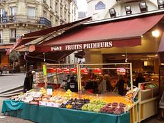 Fruits primeurs (felix-antoine) Tags: people food orange fruits shop fruit store grapes wait oranges sell seller nourriture vendre attendre vendeur primeur