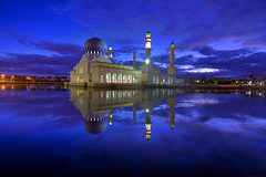 Bandaraya Mosque (nelza jamal) Tags: trip blue light cloud reflection digital photoshop sunrise photography nikon long exposure slow angle wide tokina hour shutter kotakinabalu dri sabah masjid kk masking jamal phototrip blending likas subuh bandaraya nelza