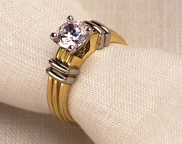 Products-012-Williams-Ring-by-DMNikas-©-2000-