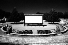 Cinema all'aperto (Marco Moricciani) Tags: summer white cinema black 35mm all estate kodak scanner 11 bn 100 siena 28 ml bianco yashica nero fortezza xtol foma aperto canonscan fomapan fxd selfdevelop vuescan 9000f