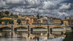 Encore ! (Tra Te E Me (TTEM)) Tags: lumixfz1000 hdr cameraraw photoshop nuages clouds ciel sky florence firenze arno italy italie reflets reflection eau pont bridge extrieur architecture