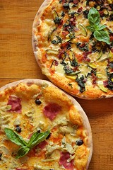Pizza (Jessica Amity) Tags: pizza italianpizza ham cheese tomatosauce olives tomatos