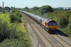 66102 Mill Stream Lane, Burton-on-Trent (DieselDude321) Tags: 66102 class 66 db dbs schenker cargo ews 6e54 1035 kingsbury oil sidings humberside refinery clay mills millstream lane burtonontrent