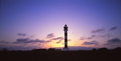 La Banya Lighthouse Velvia 50 6x7 (Escipi) Tags: velvia50 6x7 mamiya7 mamiya43mm tripod delta sunset lighthouse clouds violet